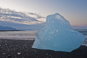 An iceberg on the shores of Jökulsárlón